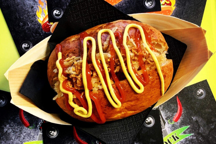 Rock Eat & Roll Hotdog